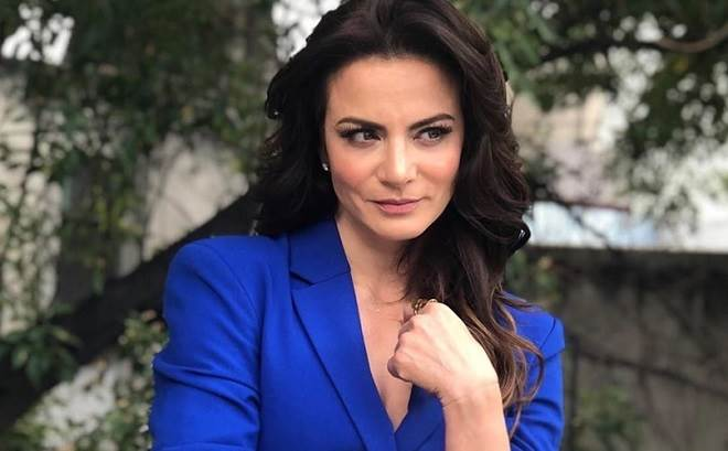 Silvia Navarro reencontra elenco da novela Meu Coração é Teu