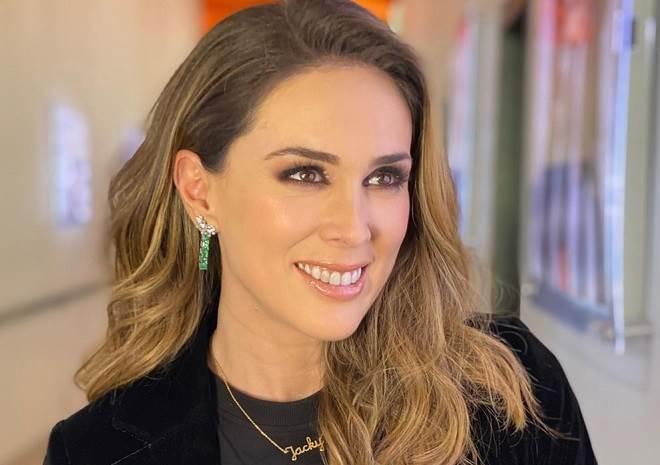 Jacqueline Bracamontes comemora aniversário