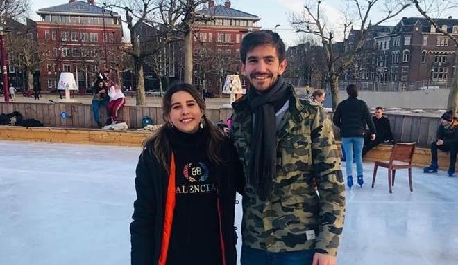 Paulina Goto faz viagem de Natal com o namorado