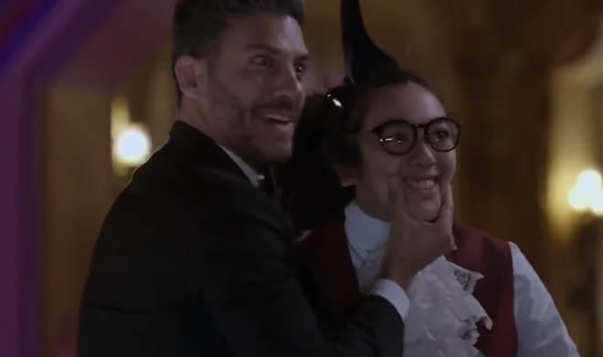 Betty, a Feia em NY: Armando e Ricardo caem em golpe e Betty pede demissão