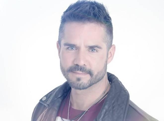 José Ron de A Que Não Podia Amar assumiu namoro com atriz