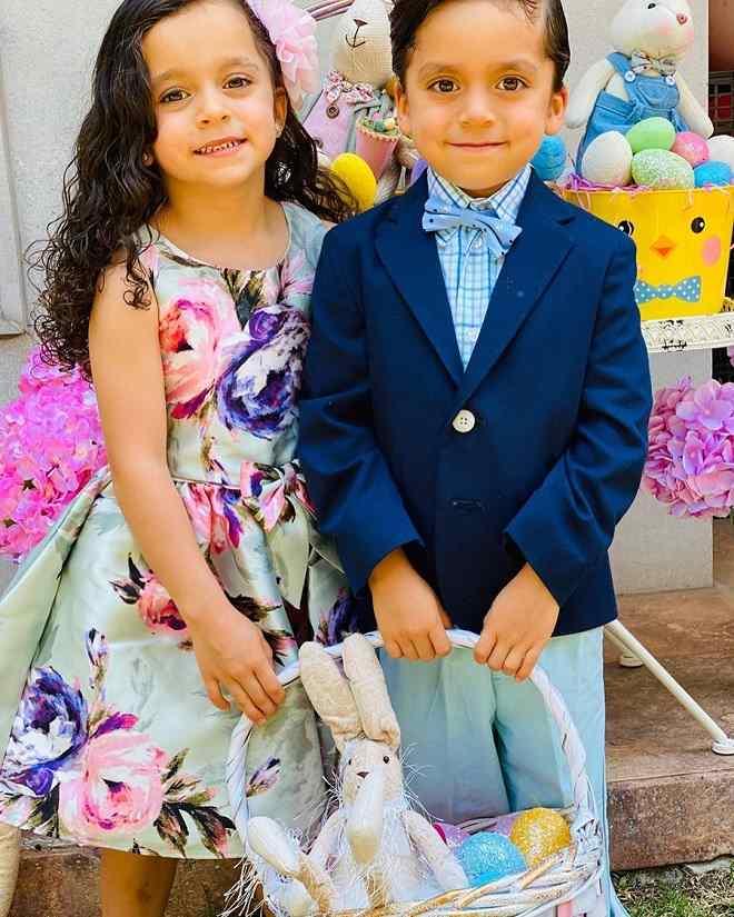 Filhos de Jorge Salinas fazem ensaio fotográfico para Páscoa
