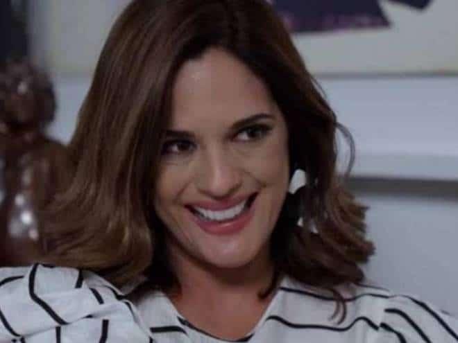 Betty, a Feia em Nova York: Betty fica sabendo que Marcela e Armando vão se casar