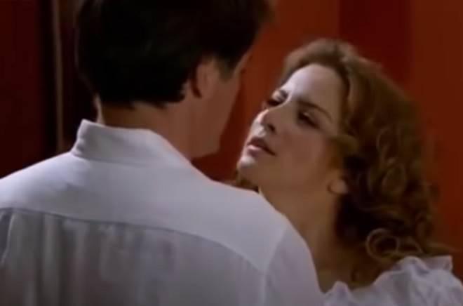 Quando Me Apaixono: Após bebedeira, Renata e Jerônimo ficam juntos
