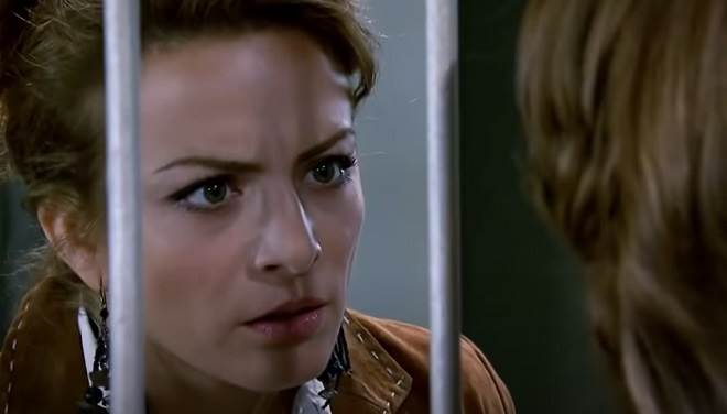 Quando Me Apaixono: Roberta conta toda a verdade sobre Rafael para Renata