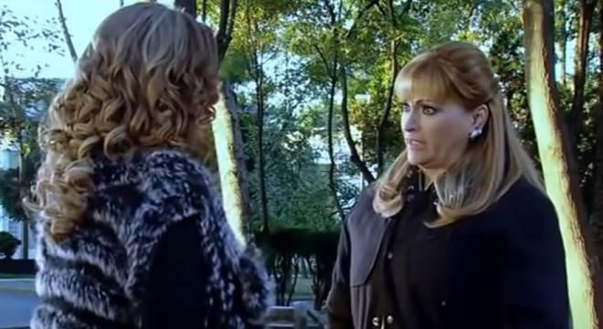 Quando Me Apaixono: Josefina confessa todos os seus crimes para Regina