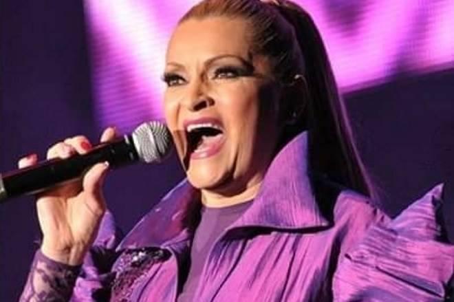Vilã de Quando Me Apaixono ganha a vida como cantora